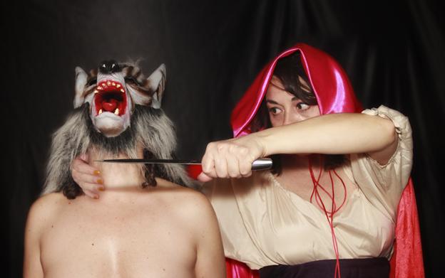 Caperucity y el lobo