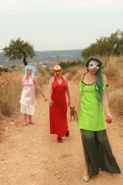Pinky Spring y sus amigas de paseo por el campo