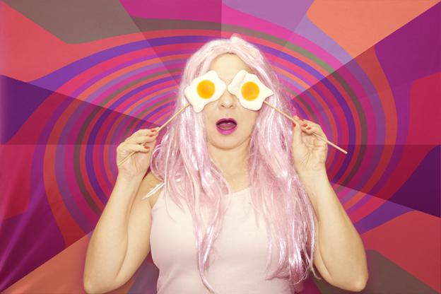 Pinky con los ojos como huevos fritos