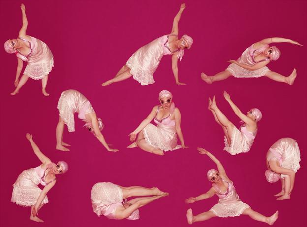 Pinky Spring Hace gimnasia ©Tola Castillo